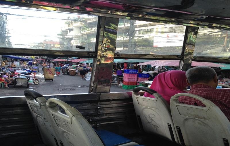 バンコク、バス
