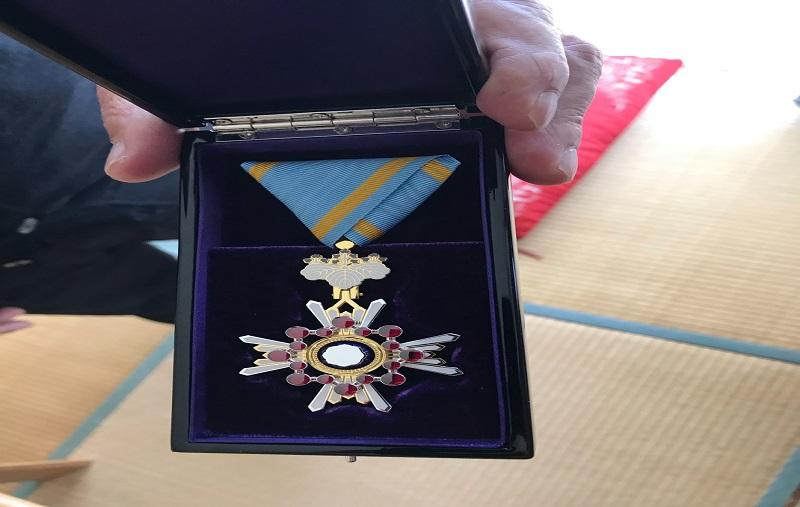 叙勲の勲章