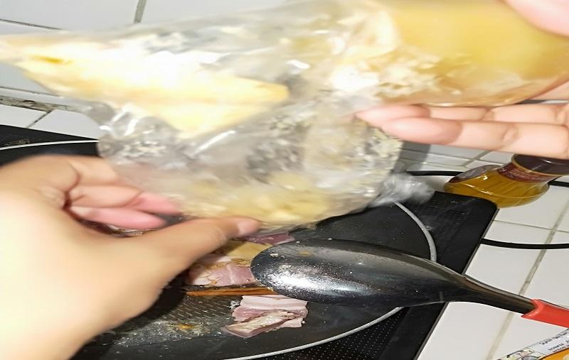 ムー・カイ・パローの調理